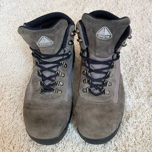 Nike ACG Outdoor Hiking Boots 🥾